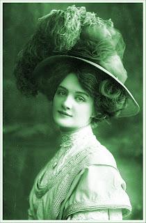 imagen vintage de dama victoriana en color verde