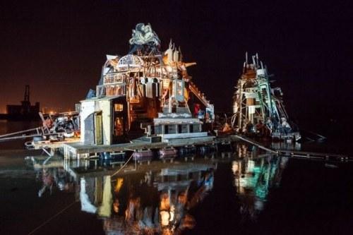 Dengan Menggunakan Benda Daur Ulang, Para Artis Dan Seniman Amerika Ini Melakukan Perjalanan Ke Eropha