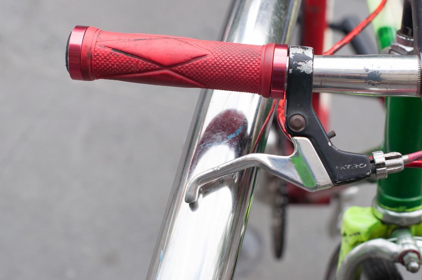 Pub bike, bike, bicycle, conversion, road bike, tim macauley, the biketorialist, Melbourne, Australia, swanston st, handlebar, grip, red, tektro