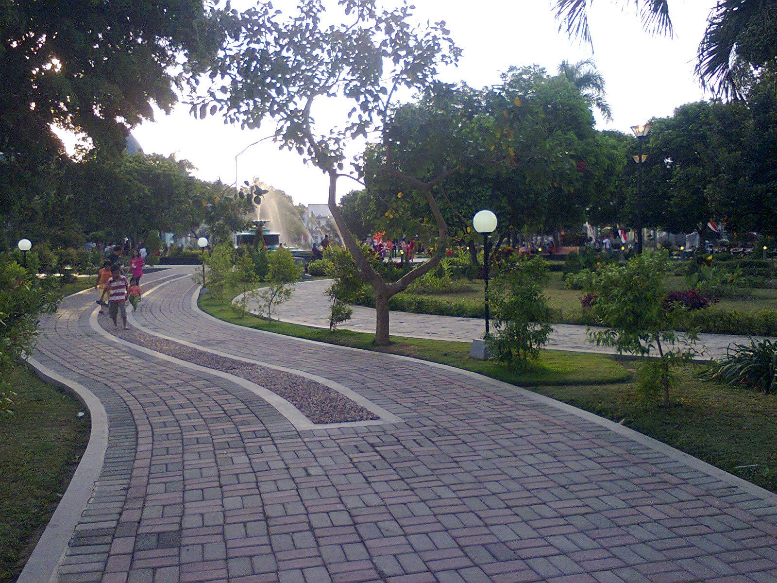 Contoh Desain Taman Lapangan 2017
