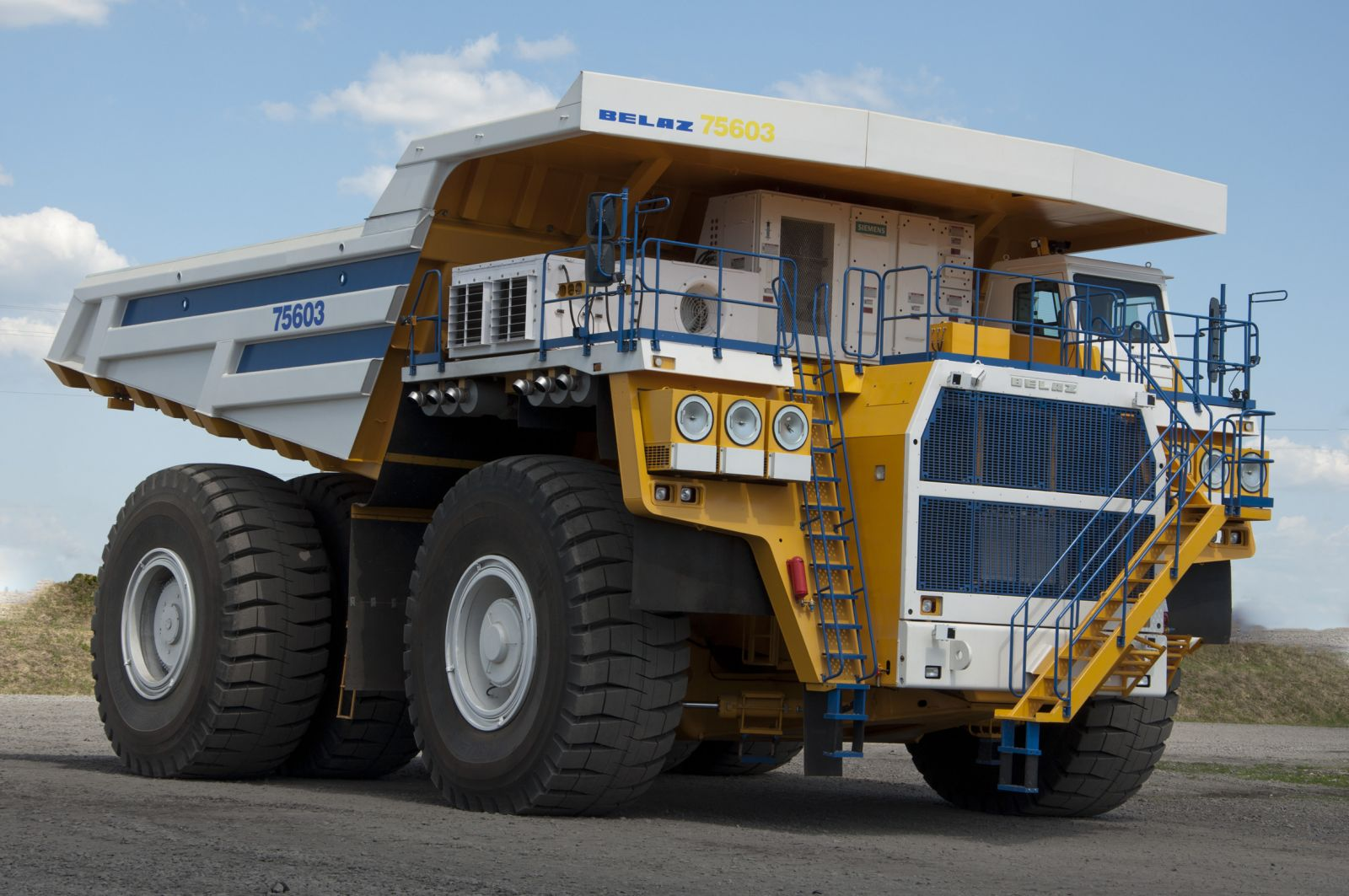 Mt6300ac mining trucks