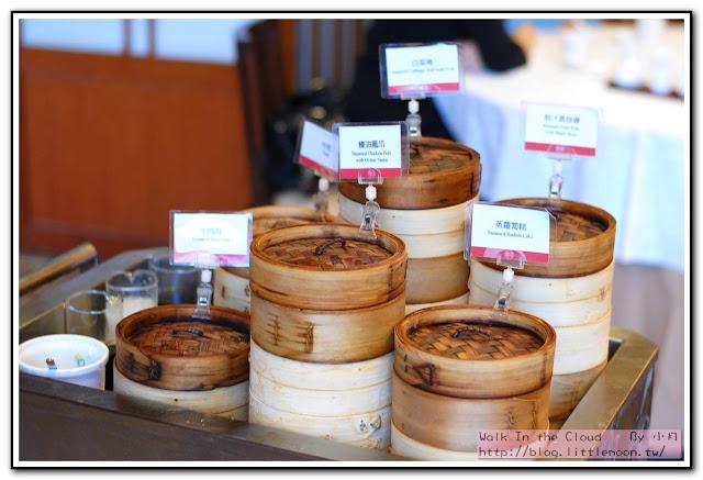明宮粵菜廳 - 飲茶推車上的點心