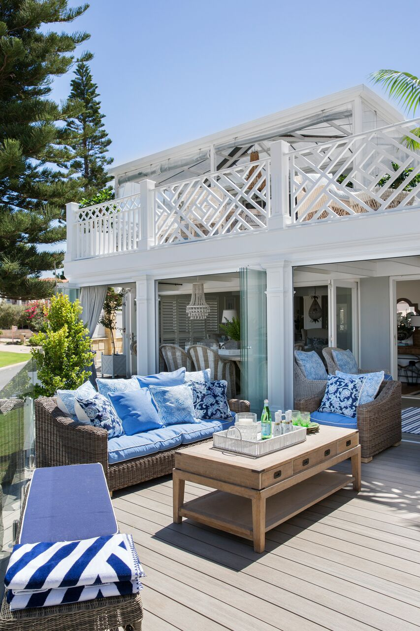 La maison jolie february 2018 traditionally hamptons homes were designed for easy living and entertaining with interiors evoking sojourns by the sea recreating this look depends on malvernweather Image collections