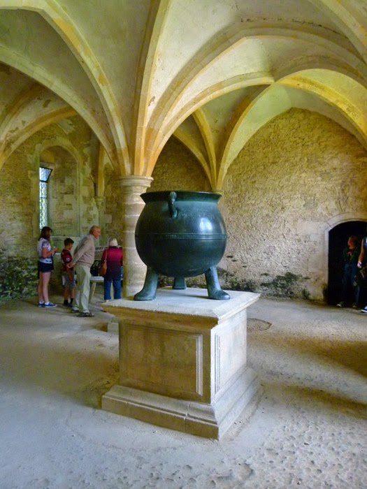 Warming room, cauldron, Harry Potter, Quirrell, Lacock
