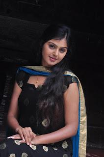 stills of dracula 2012 malayalam