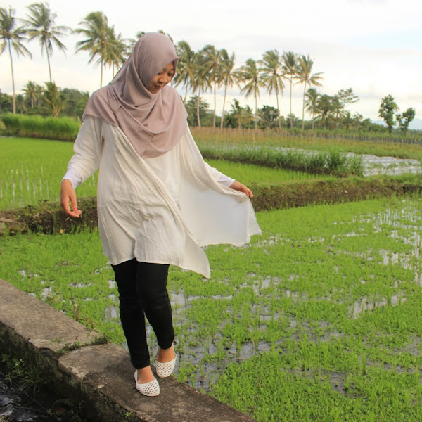 #AnisaHoliday : Going to Simbah's Ricefield