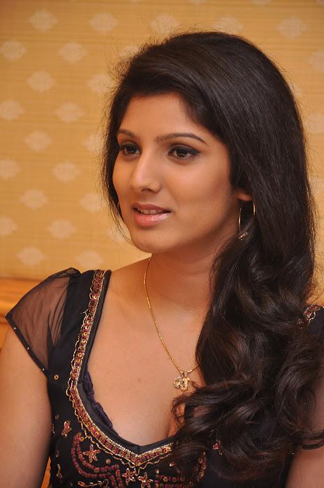 joshna actress pics