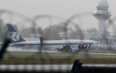 pesawat mendarat tanpa roda