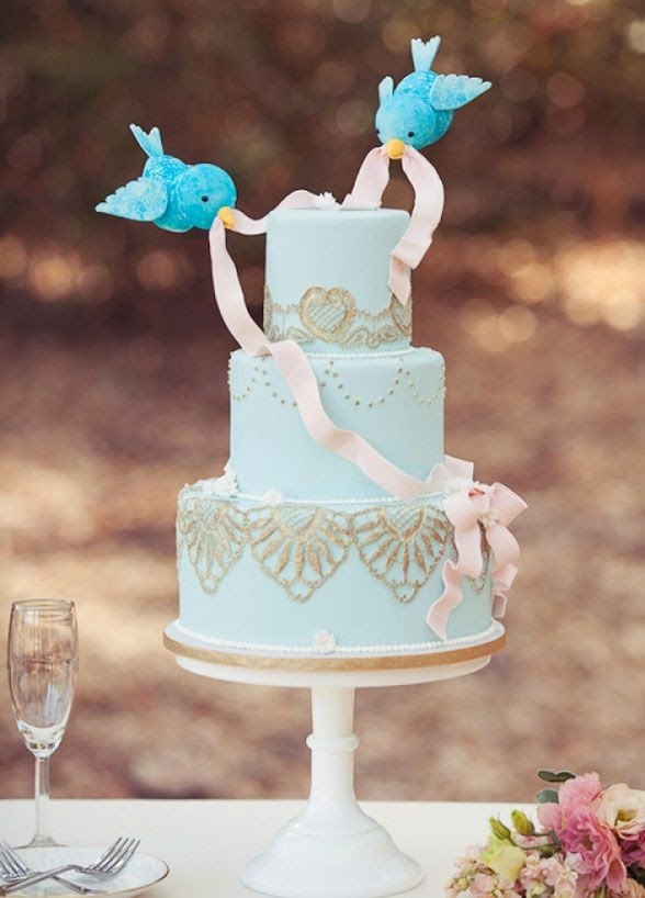 http://www.colincowieweddings.com/articles/cakes/the-20-prettiest-wedding-cakes