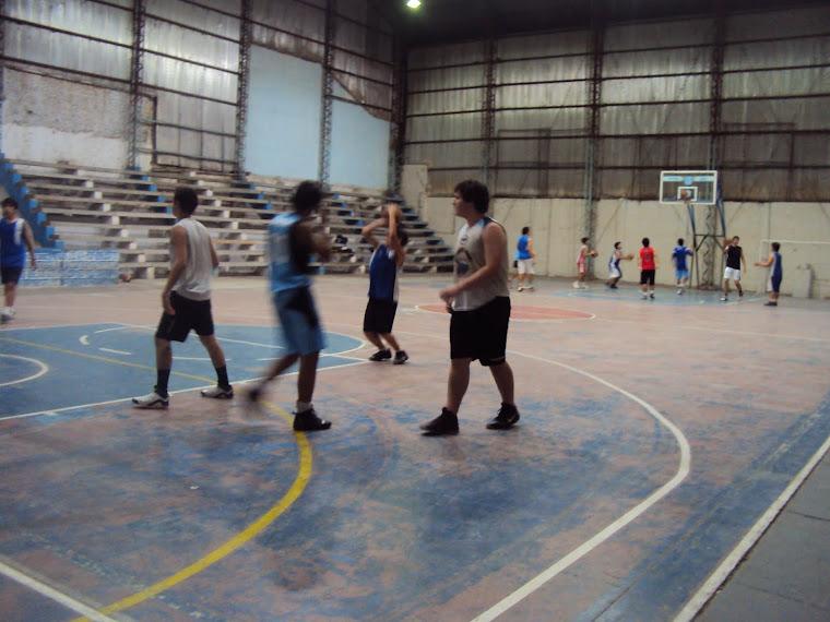 Cancha de basquet del Club barraca de Paso de los libres