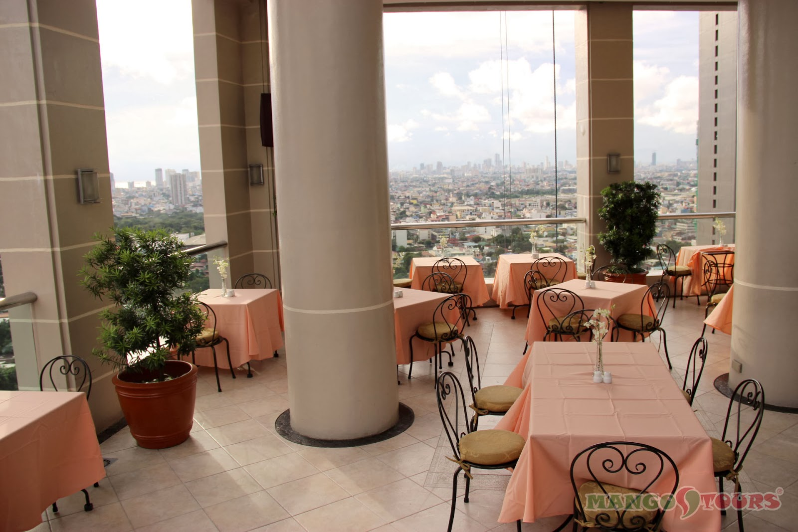 City Garden Hotel Makati roof deck dining 2
