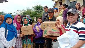 Peduli Kemanusiaan, Tim Relawan Pejabat Bogor Raya Salurkan Dan Dirikan Posko Logistik Di Bogor Barat