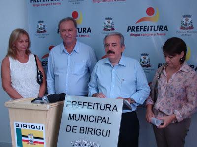 Pedro Bernabé e Carlos Vendrame - Um Asno