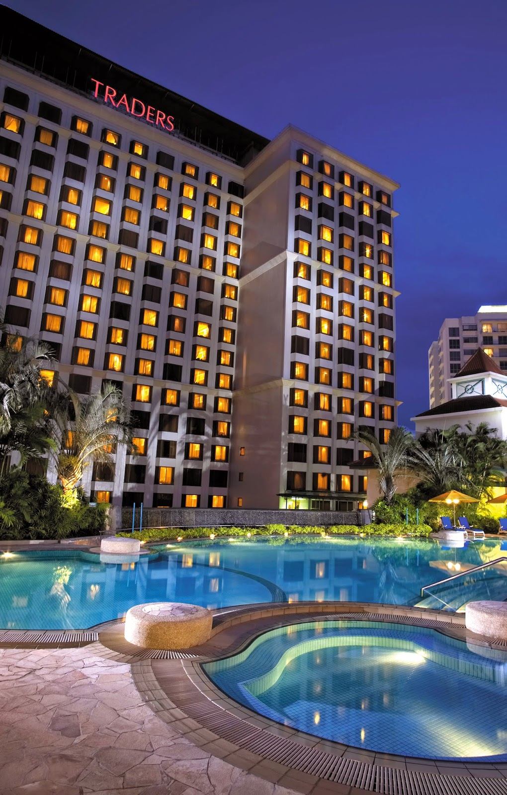 Traders Hotel Singapore Staycation Review weekend offers Family Package suites apartment studio spa gym Shangri-La Hotels Resorts Cafe Biz Restaurant Promotion Ah Hoi's kitchen kids free room stay daily meals pool