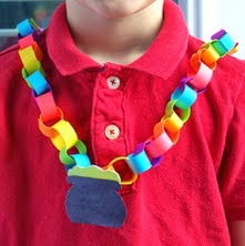 http://translate.googleusercontent.com/translate_c?depth=1&hl=es&rurl=translate.google.es&sl=en&tl=es&u=http://www.craftymorning.com/rainbow-pot-of-gold-chain-necklace-craft/&usg=ALkJrhi24r0-j5wpVXJzHisPv97jfk0fQw