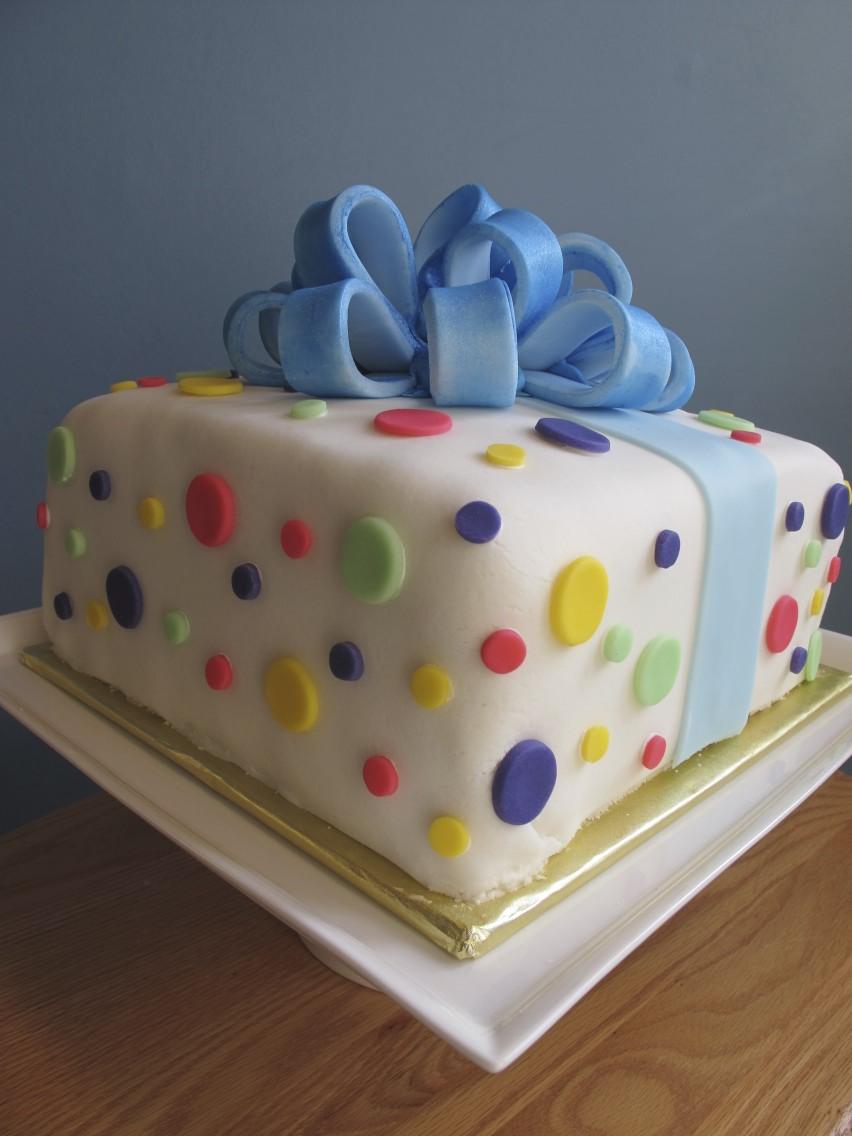 Culinary Types A Gift Box Wedding Cake