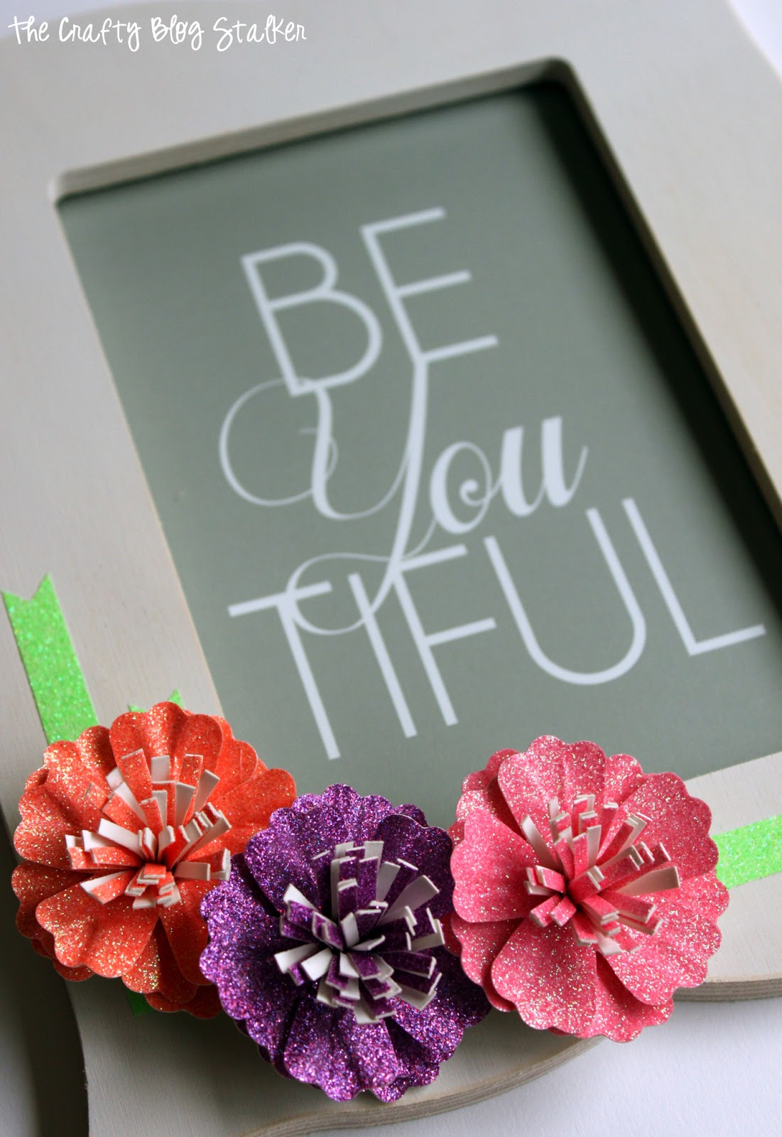 Glitter paper flower frame with american crafts the for Cool things to make with paper for your room