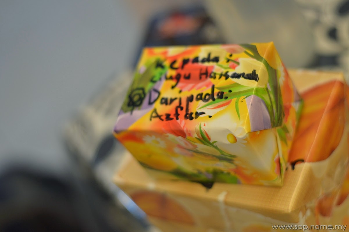 Hadiah Hari Guru Azfar dan Azwar