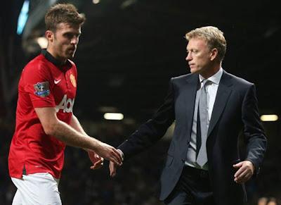 Carrick+Moyes Manchester United v Chelsea 2013