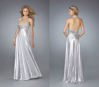 A Wedding Addict: Silver Wedding Dress with Soft Sweetheart