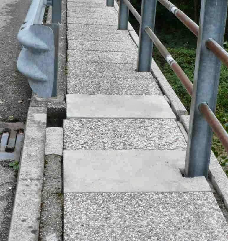 Plotte in cemento cemento armato precompresso - Piastrellare un terrazzo ...