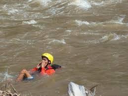 cara berenang di arus