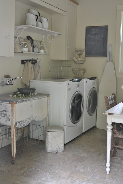 Vintage Laundry Room Sink : Love That Junk: Vintage inspired laundry room - Faded Charm