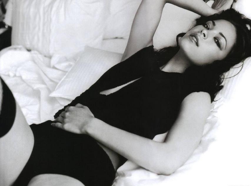 Fotos de Kristin Kreuk desnuda - Fotos y videos de