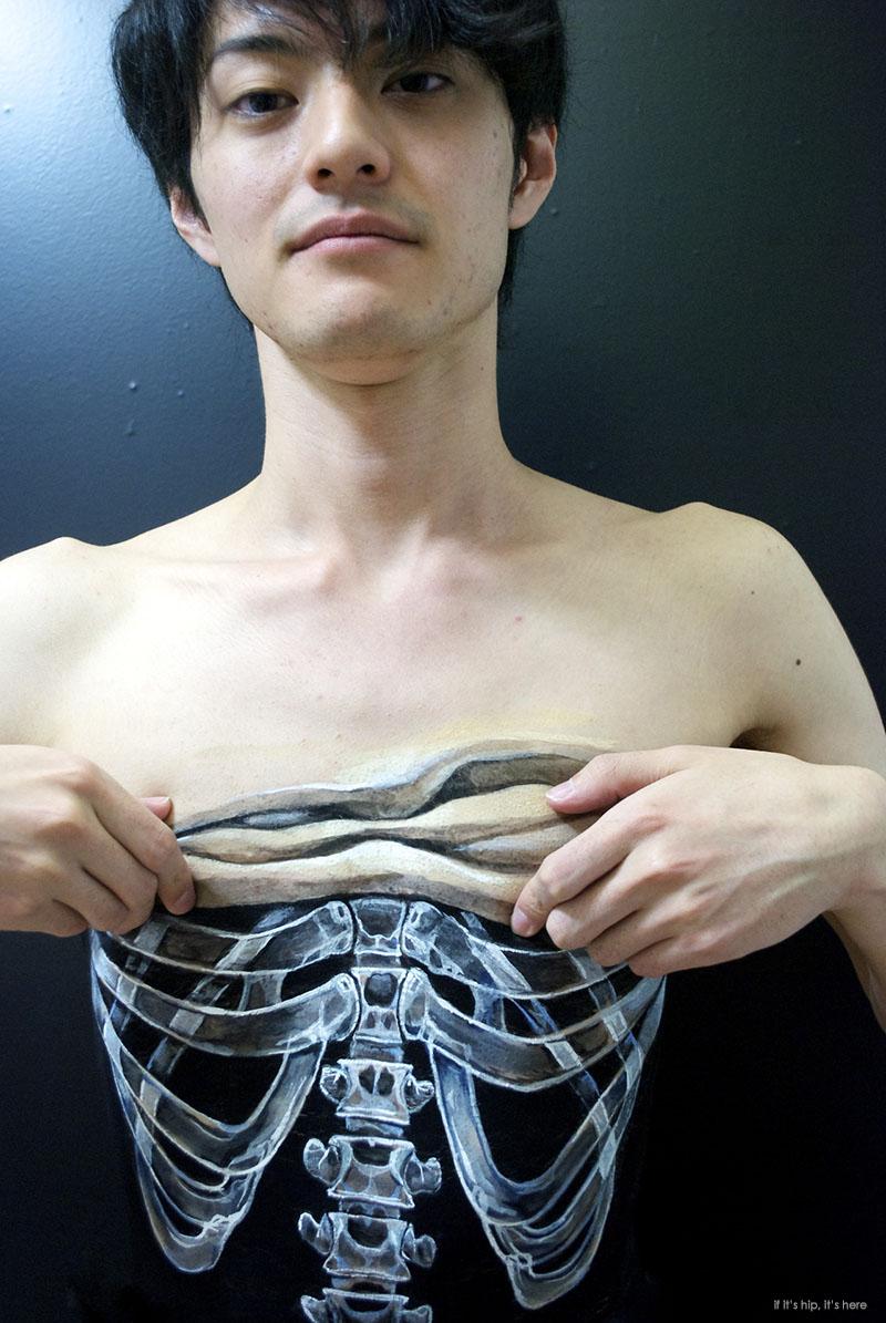 25 Body Art Illusions Done With Acrylic Paint By Hiraku Cho.