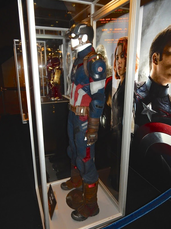 Captain America costume Avengers Age of Ultron
