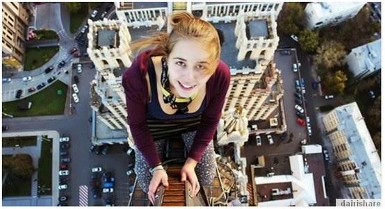 Kisah Gadis Cantik Bergambar Selfie Terakhir Sebeluam Mati