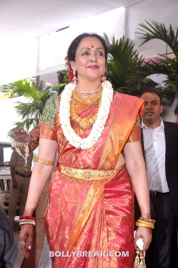 Hema Malini - (20) - Esha Deol Wedding Pics 2012 - Full Set