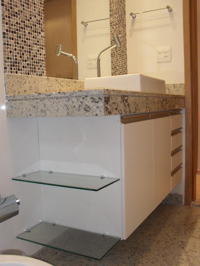 gcarquiteturainteriores Março 2012 -> Banheiros Com Pastilhas Na Horizontal