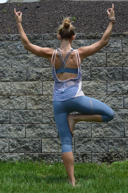 lululemon-cool-to-street free-to-be-crop