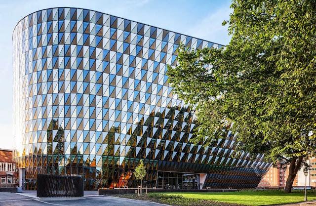 03-Karolinska-Institutet-Aula-Medica-by-Wingårdh-Architects