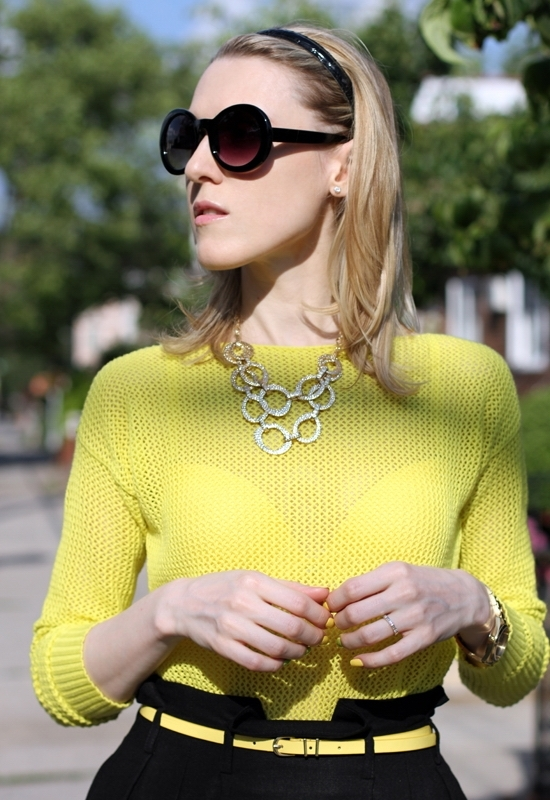 Asos Linen Midi Skirt Asos Skinny Waist Belt Madewell Pullover Jeepers Peepers Round Sunglasses Hive & Honey Hammered Open Circle Statement Necklace Sally Hansen Xtreme Wear Mellow Yellow Sinful Colors Professional Innocent Nail Polish
