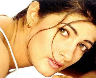 Bollywood Actress Twinkle Khanna Hot Wallpapers Twikle