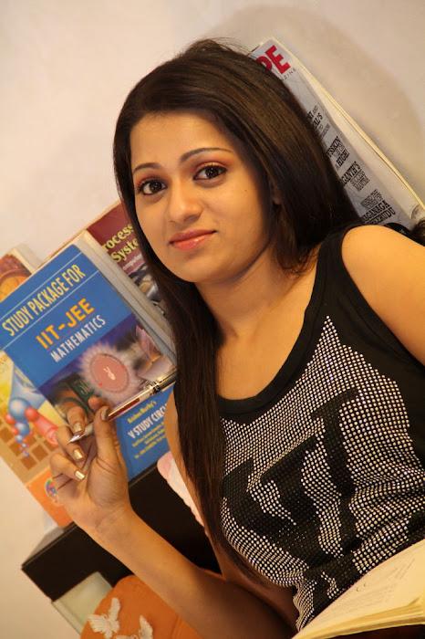 reshma from ee rojullo movie, reshma latest photos