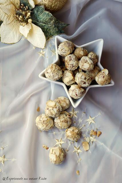 Experimente aus meiner Küche: Mandel-Marzipan-Kugeln