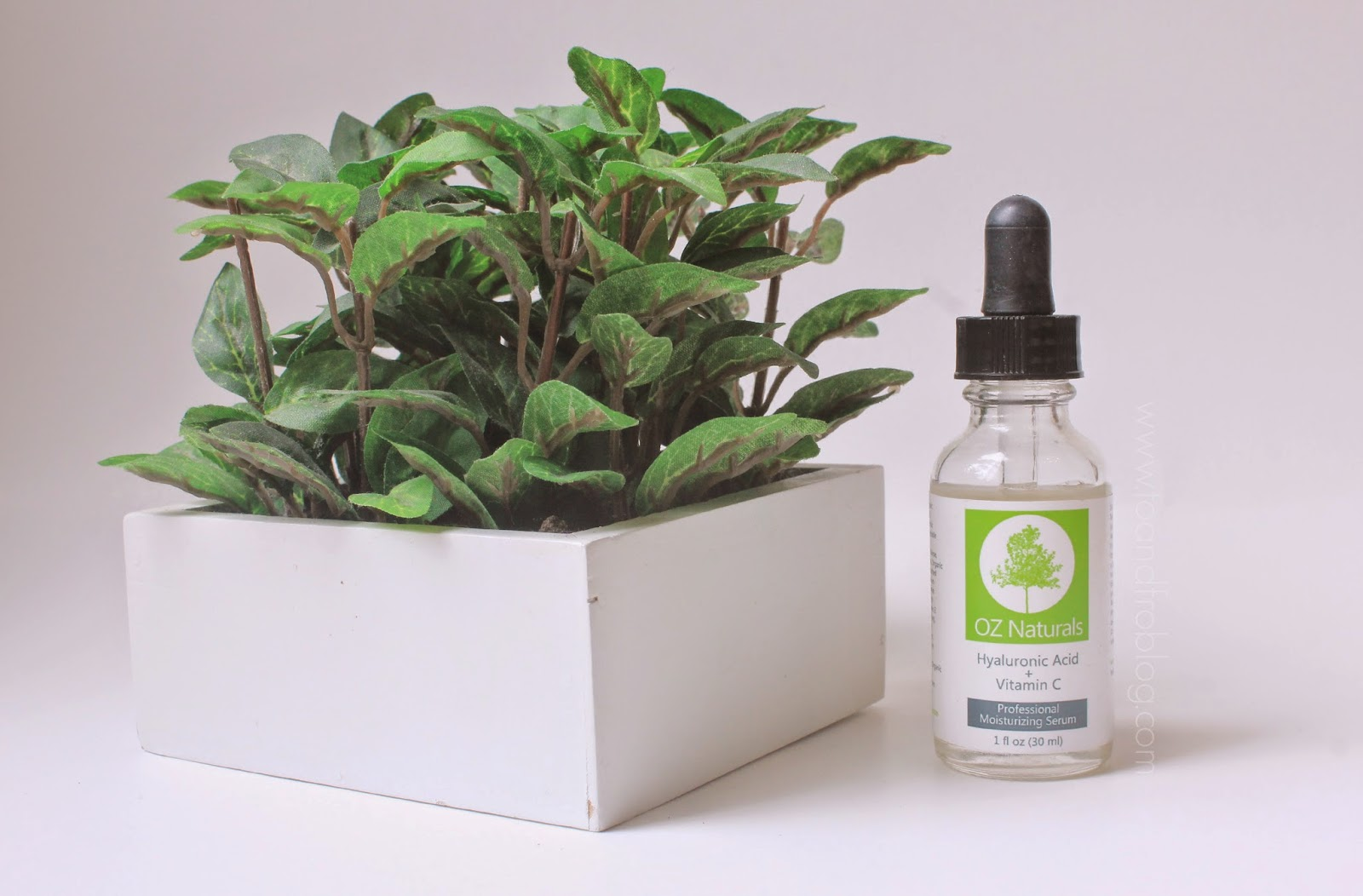 oz naturals hyaluronic serum