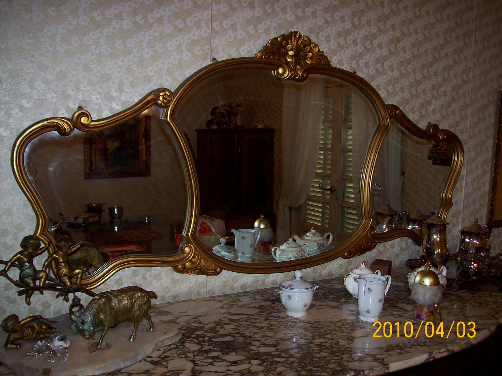 Mueble Alto estilo Frances con Marquetería para comedor Muy buen