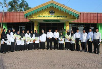 Kemenag Kota Tanjungbalai Menyerahan SK CPNS Kategori 1