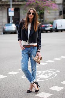 http://3.bp.blogspot.com/-b-FfoL8Pzvw/T4rZkWQtfoI/AAAAAAAAJFo/lS5lrtcsp_s/s1600/black+sandals+zara,+H&M+navy+blue+jacket,+brown+belt.jpg