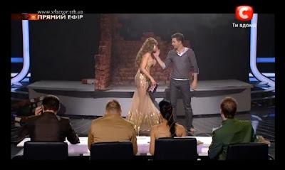 Оксана маченко целует руку В.Романченко