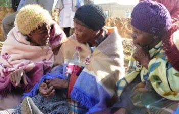 Chatting during an Ndebele Wedding