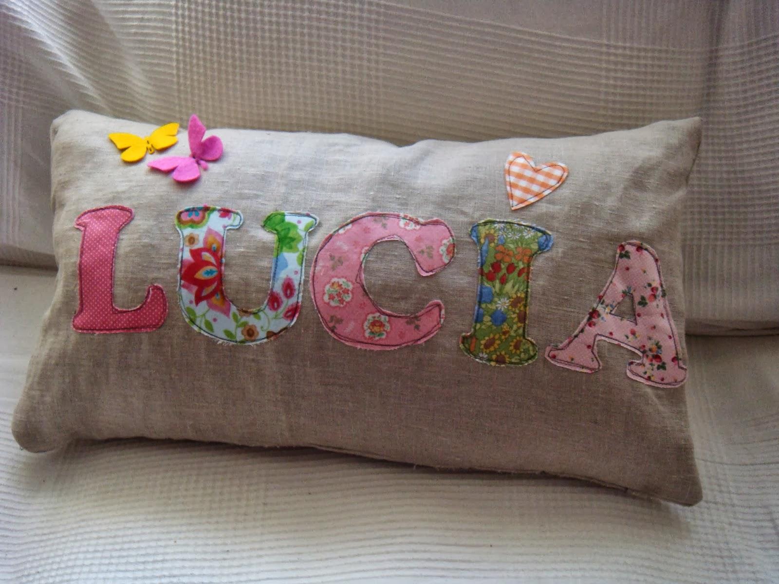 No me llames lili cojines de lino y algod n for Cojines con nombres bordados