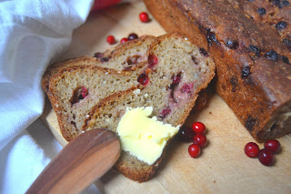 Leipäviikko: Puolukka-ruisleipä