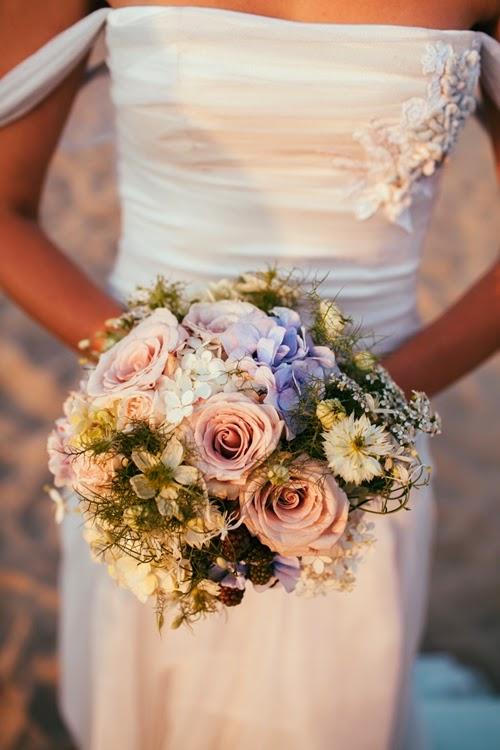 strandbröllop, beach wedding. bröllop blå hortensia, wedding blue hydrangeas, sea inspired wedding, havsinspirerat bröllop
