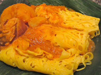 roti jala,chicken curry,Malaysian food, bread,crepe,Indian,Malay