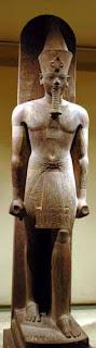 تمثال واقف لأمنحتب الثالث